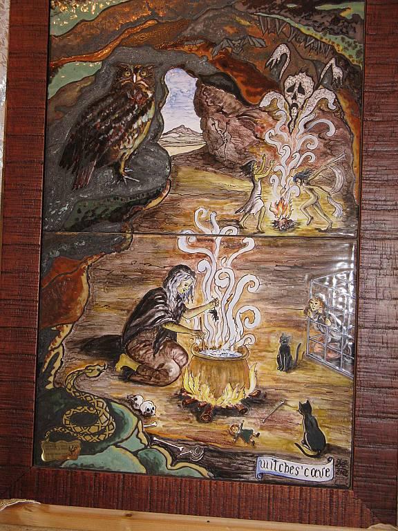 L'antro delle streghe - silvia diana - Cuerda seca con smalti su ceramica