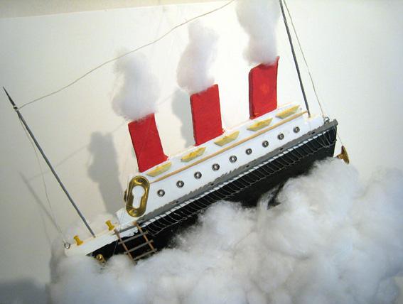 scultura nave su nuvola - franco scacchi - Acrilico - 200 €